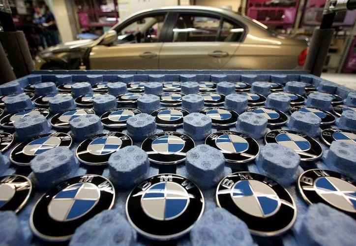 BMW quiere ampliar su planta en Spartanburg (EU) y abrir otra nueva (probablemente en México) para aumentar su producción al doble. (transporte.mx)