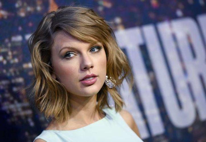 A días de terminar con el dj Calvin Harris, Taylor Swift estaría estrenando conquista. (Archivo AP)