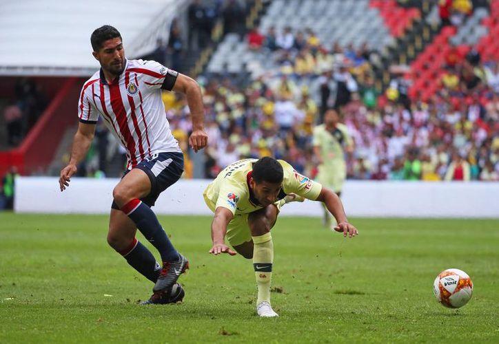 El ex capitán de Chivas ahora tiene una difícil misión, pues Gallos Blancos tiene problemas en la tabla porcentual (Foto: @jairpereira16)
