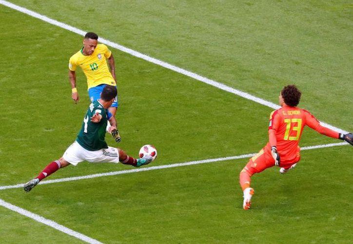 Guillermo Ochoa comentó que ahora despejará su mente para llegar con energías a su próximo reto (Foto: Twitter @DIEGOL)