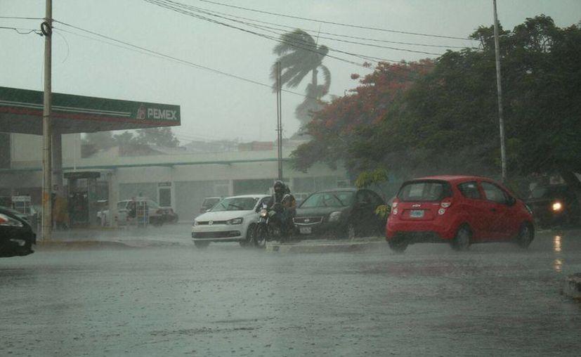 Conagua prevé más lluvias para Yucatán, en especial para los municipios del sur de estado para las próximas horas. (Jorge Acosta/ Milenio Novedades)