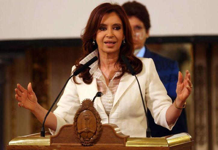 Cristina Fernandez, presidenta de Argentina, fue hospitalizada la semana pasada por un cuadro de infección intestinal.. (Archivo/EFE)