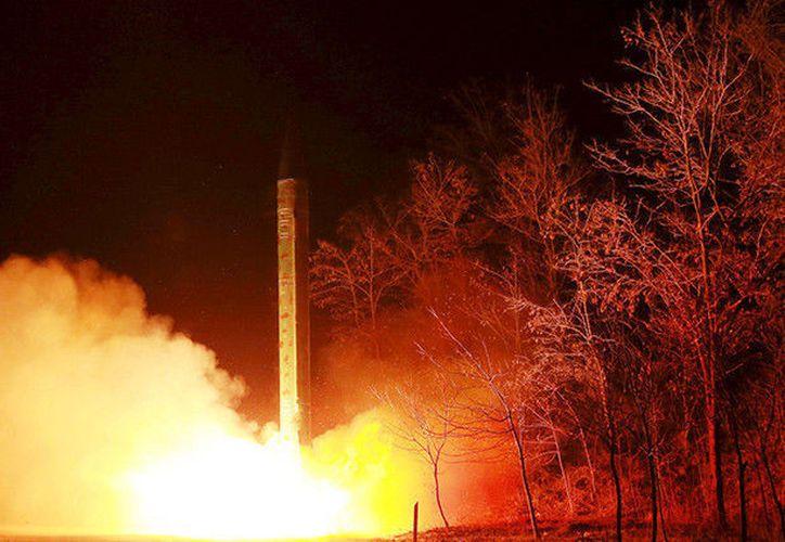 Continúa Corea lanzando misiles al norte de Japón. (Foto: RT)