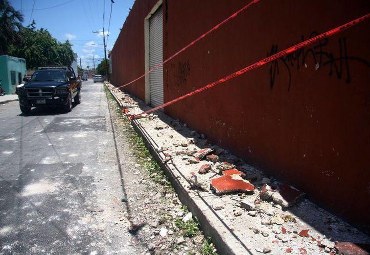 El derrumbe que se registró este martes (al que corresponde la foto) no fue tan aparatoso como el del pasado 10 de julio, que dejó varios lesionados. (Jorge Pallota/SIPSE)
