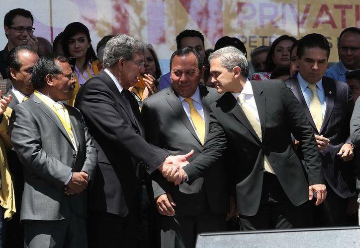 Habrá que discutir todos los contenidos del Pacto, declaró Cuauhtémoc Cárdenas (segundo de i a d). (Notimex)