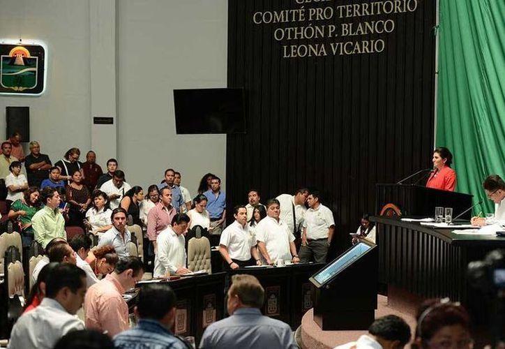 El nuevo ombudsman del estado es Harley Sosa Guillen, quien fue electo hoy por unanimidad en sesión ordinaria.  (@CongresoQroo/Twitter)