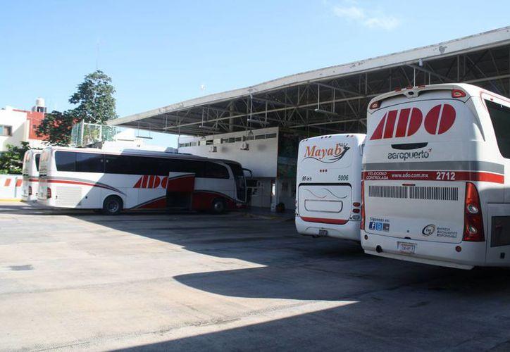 La Profeco está imposibilitada en regular los precios de los boletos de autobús. (Octavio González/SIPSE)