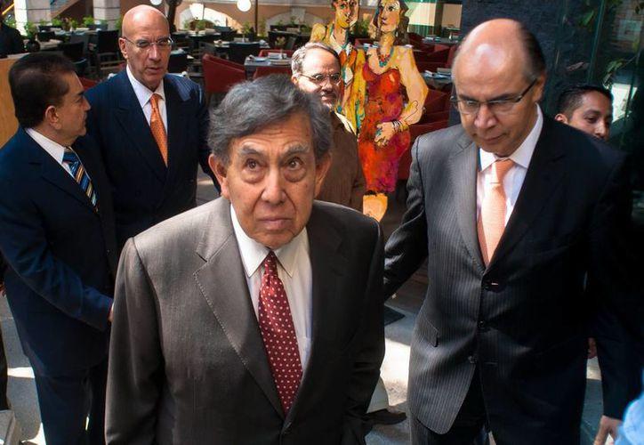 Cuauhtémoc Cárdenas se manifestó a favor de más inversión privada en petroquímica. (Archivo/Notimex)