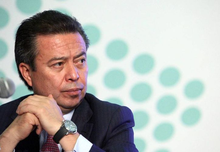 Magistrados del TEPJF resolvieron que César Camacho, líder del PRI, resultó afectado por los videos donde el PAN cuestionaba sus relojes. (Foto: revista Proceso)