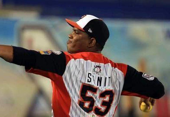 El lanzador Amauri Sanit llegó a seis éxitos en la temporada. (Archivo/SIPSE)