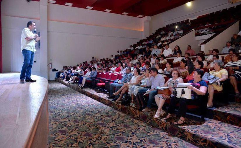 """En Cancún se llevó a cabo el taller """"Lineamientos para la organización y funcionamiento de los Consejos Técnicos Escolares"""". (Redacción/SIPSE)"""