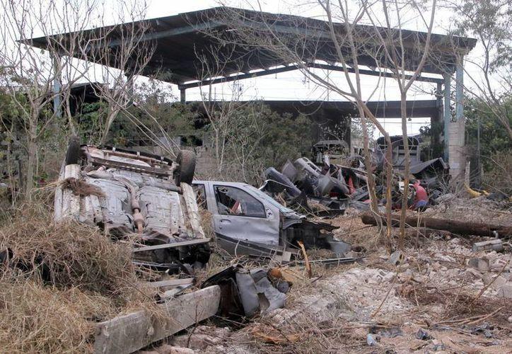 En el terreno de AFAD fue depositada chatarra, que ahora ya fue retirada. (José Acosta/SIPSE)
