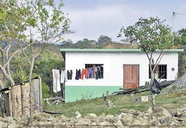 Los habitantes de La Hierbabuena decidieron abandonar las filas del Ejército Zapatista para obtener beneficios de programas estatales. (Milenio)