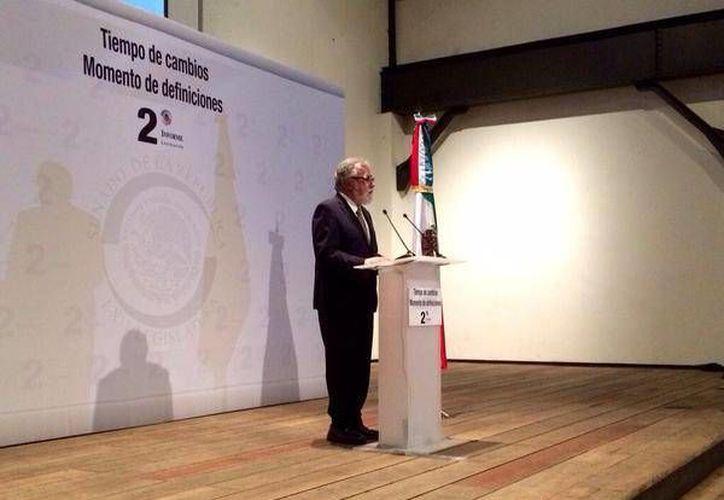 Encinas rindió este jueves su segundo informe legislativo. (Twitter.com/@ZarifeMaza)