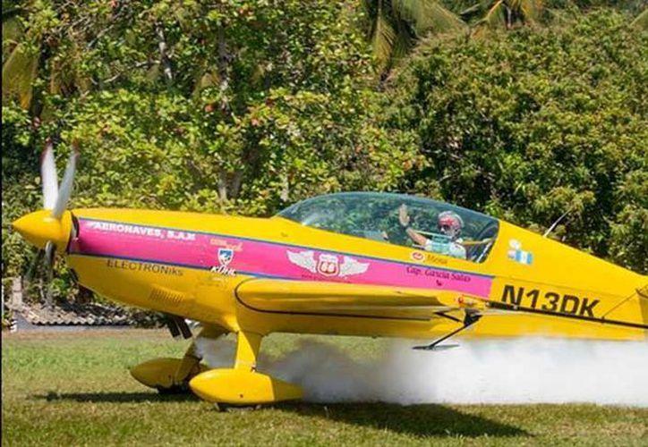 Juan Miguel García Salas, piloto de origen guatemalteco, perdió la vida en el Aeroshow. (Internet)