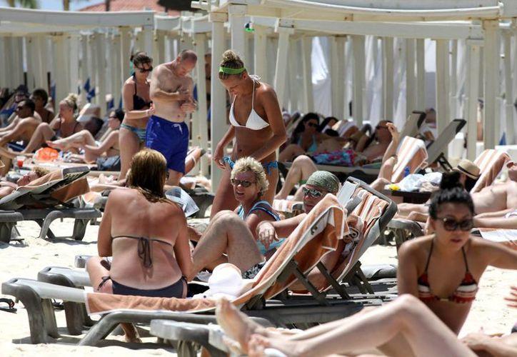 El reglamento de turismo pretende normar las actividades relacionadas con los turistas.  (Redacción/SIPSE)