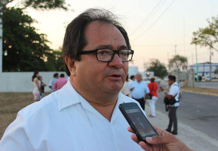 Roger Peraza, coordinador de la Corriente Patria Digna, dijo que quien quiera que sea el candidato del PAN, trabajaran coordinadamente. (Joel Zamora/SIPSE)