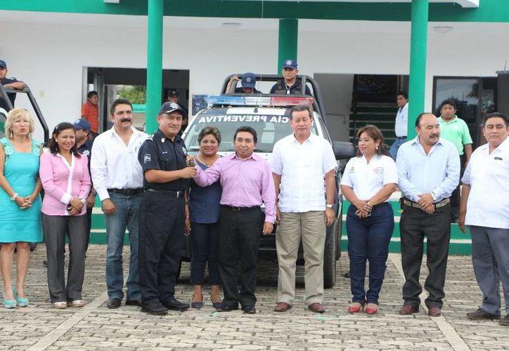 Seguridad Pública municipal recibió vehículos para patrullajes. (Raúl Balam/SIPSE)