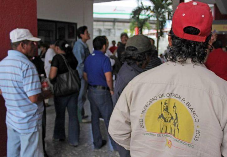La Comuna erogará casi un millón 300 mil pesos de  compensaciones de los últimos tres meses del 2012. (Harold Alcocer/SIPSE)