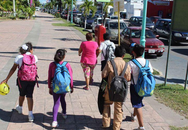 Salieron 57 mil 031 alumnos de preescolar; en primaria son 186 mil 515 estudiantes; en el caso de secundaria son 83 mil 174 educandos. (Joel Zamora/SIPSE)