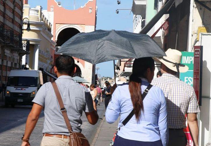 Este viernes hay probabilidad de lloviznas para el noreste y suroeste de Yucatán. (Jorge Acosta)