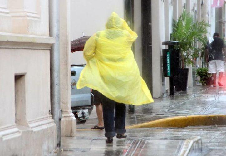 Condiciones de clima lluvioso prevalecen para Mérida. (José Acosta/SIPSE)