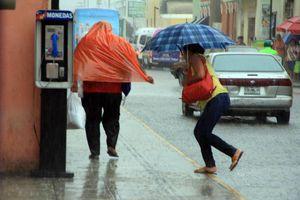 Prolongada lluvia en Mérida