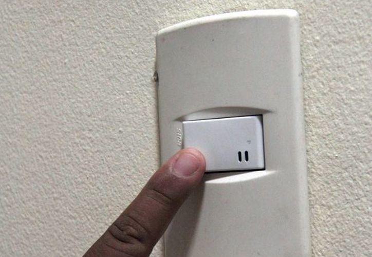 Se apagaron las luces de oficinas gubernamentales. (Tomás Álvarez/SIPSE)