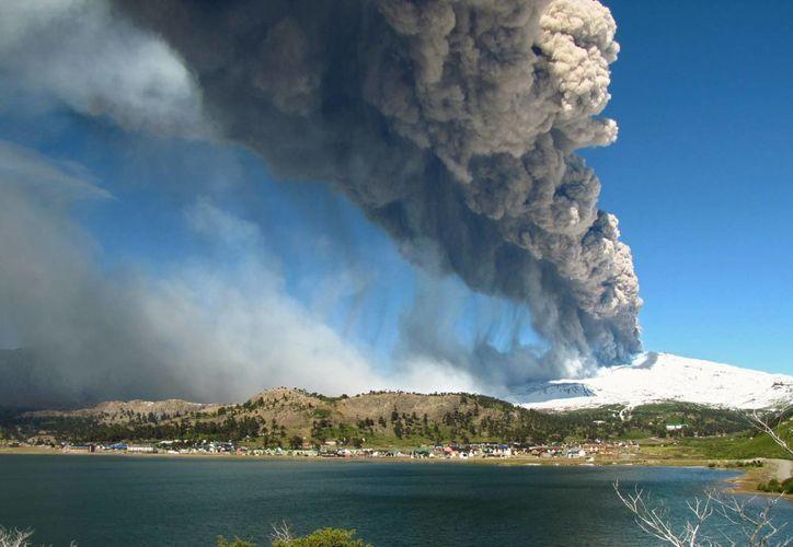 El lado argentino del volcán fue evacuado desde el lunes. (lupa.net)