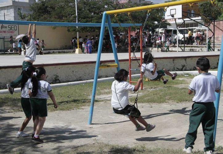 La cobertura la obtendrán alumnos de educación inicial, especial, preescolar, primaria y secundaria. (Tomás Álvarez/SIPSE)