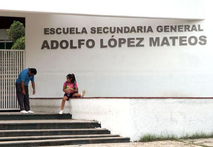 Según la política sobre el recurso que entra al plantel por parte de la tienda escolar, el director es el único que dispone del mismo. (Joel Zamora/SIPSE)