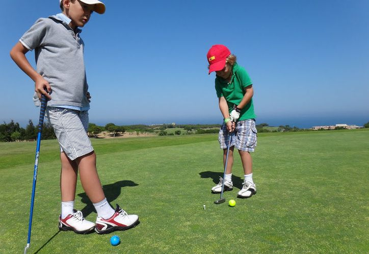 Se esperan alrededor de dos mil golfistas de todo el mundo. (Contexto)