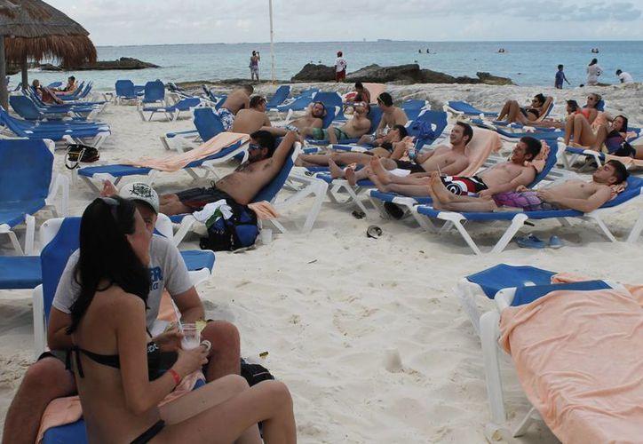 Cuatro millones de personas podrían visitar las playas de Cancún. (Israel Leal/SIPSE)