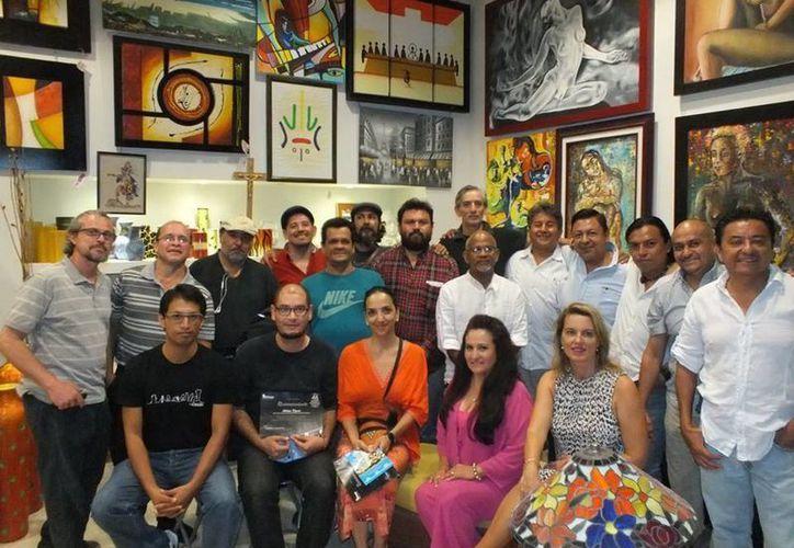Participaron más de 80 artistas, de los cuales más de 40 están dispuestos a compartir su quehacer. (Redacción/SIPSE)