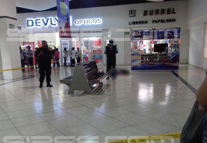 El crimen es recordado ya que el imputado apuñaló a su esposa hasta matarla en el interior de Plaza Fiesta. (Milenio Novedades)