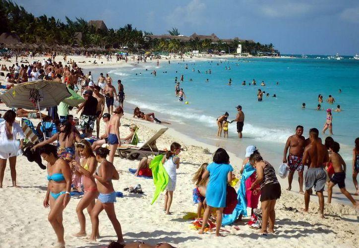 Autoridades estatales esperan que en lo que resta del verano los hoteles de la entidad sean  ocupados al 100%. (Redacción/SIPSE)