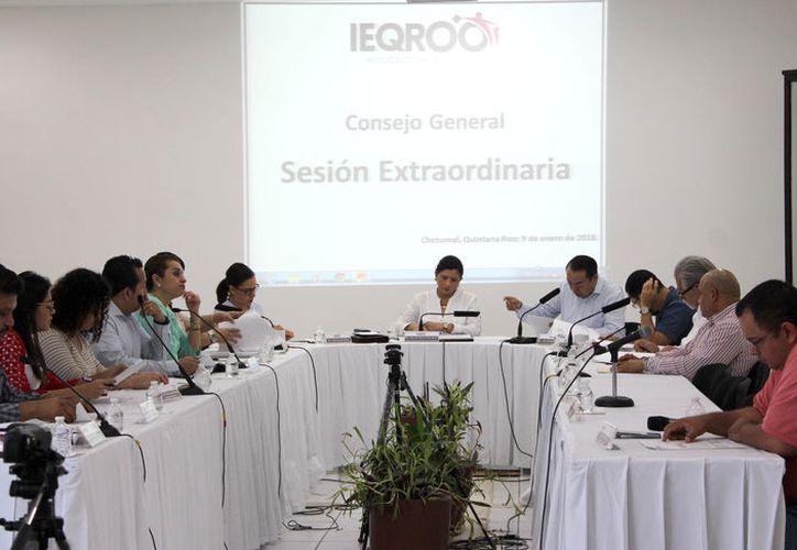 El trece de enero, el Consejo General deberá sesionar para dar a conocer la lista de quienes podrán buscar el respaldo ciudadano. (Joel Zamora/SIPSE)