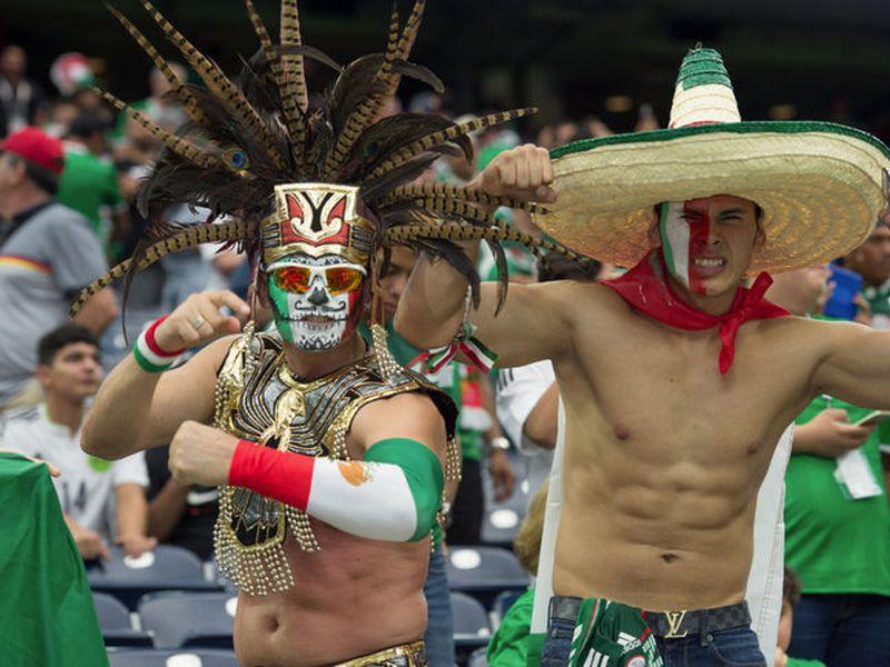 Los mexicanos que acudan a la Copa del Mundo en Rusia no podrán ejercer su voto para elegir presidente en México. (Foto: Azteca Deportes)