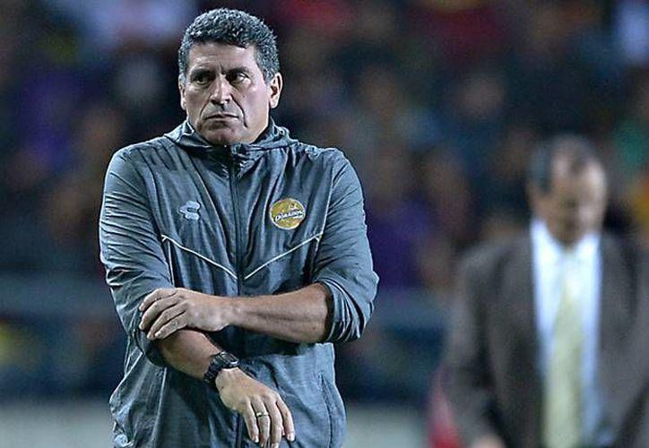 El colombiano Luis Fernando Suárez dejó de ser técnico de los Dorados, así lo anunció este domingo la directiva del club sinaloense. (Archivo Mexsport)