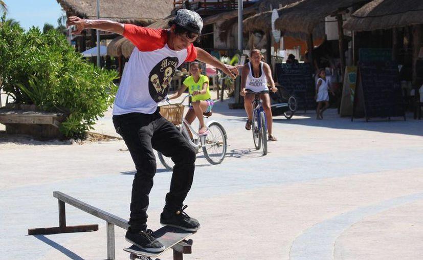 El Skateboard no es un deporte callejero, sino un deporte completo que además permite motivar el ingenio de los jóvenes. (Ángel Castilla/SIPSE)