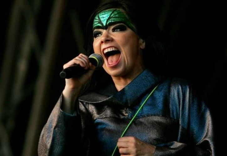 Además de su participación en el Festival Ceremonia, Björk(foto) se presentará en 29 de marzo en el Auditorio Nacional de la Ciudad de México. (Foto tomada de Facebook/Björk)