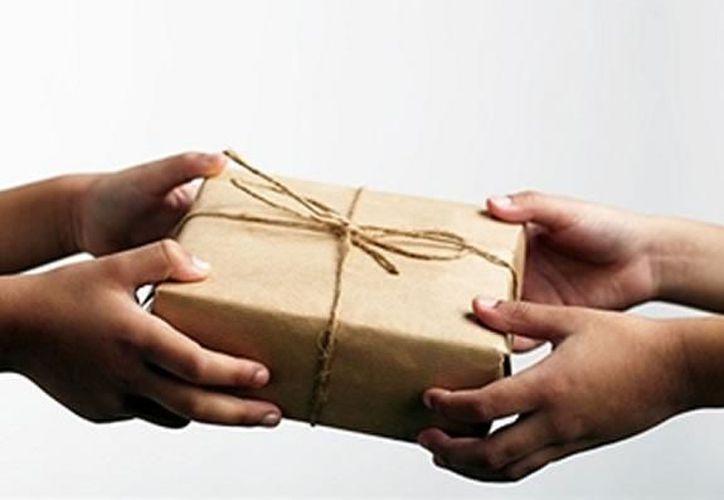 El sistema Nacional Anticorrupción prohíbe que los funcionarios públicos reciban regalos. (Contexto/Internet).