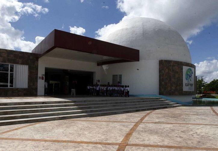 El Planetario de Cancún Ka' Yok' recibió más de 600 estudiantes en el mes de enero. (Redacción/SIPSE)