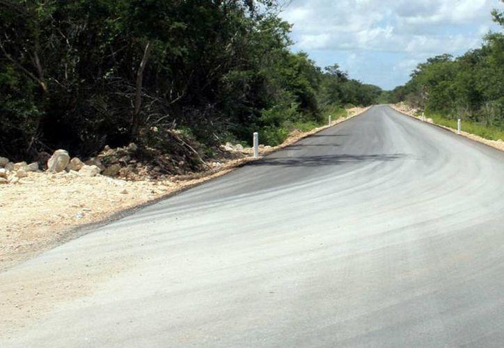 Diversos puntos de la infraestructura carretera han sido modernizados en los últimos años.  El gobernador Rolando Zapata Bello ya cumplió el 50 por ciento de los 227 compromisos que asumió en campaña. (Milenio Novedades)