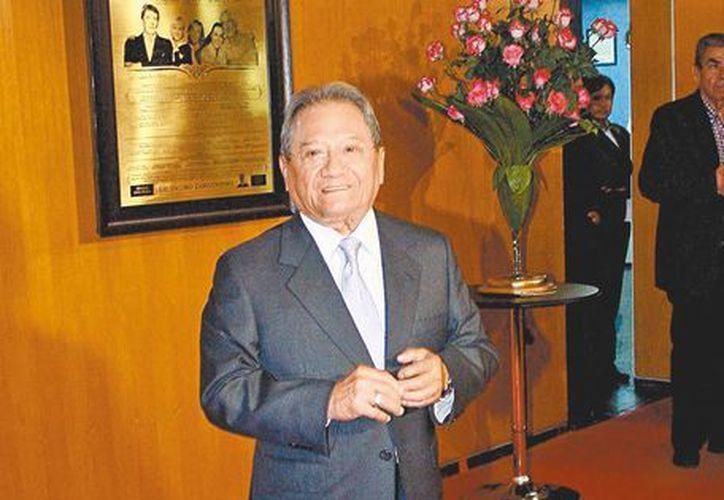 Armando Manzanero aportará tanto temas inéditos como éxitos para el nuevo disco del tenor mexicano. (Mileno)