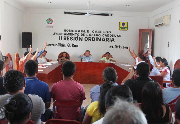 Las autoridades aprobaron equipar a la corporación de Seguridad Pública. (Raúl Balam/SIPSE)
