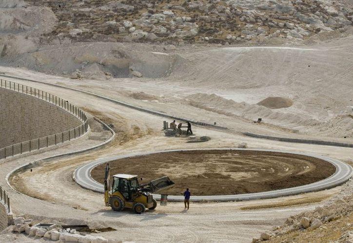 La construcción de asentamientos israelíes es un componente central de la ruptura de las conversaciones de paz desde hace cuatro años. (Agencias)