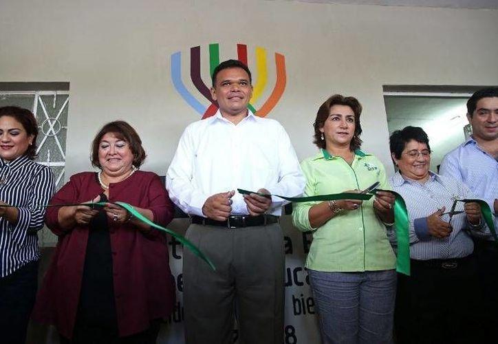 El gobernador Rolando Zapata inauguró ayer el décimo segundo Centro de Atención a la Violencia de Género, ubicado en la colonia Castilla Cámara. (Cortesía)