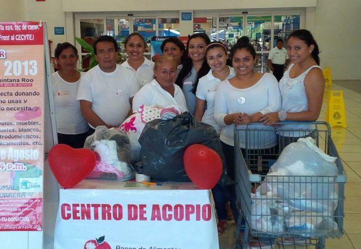 El banco de insumos de Fundación Cáritas sufre la falta de cultura de donación de empresas locales. (Harold Alcocer/SIPSE)
