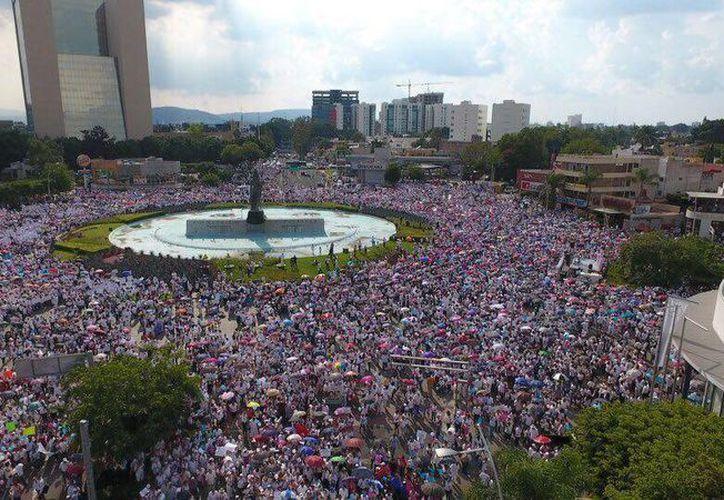 El Frente Nacional por la Familia reportó 120 marchas el sábado pasado, una de las más numerosas, la de Guadalajara, Jalisco. (Facebook/Frente Nacional por la Familia)